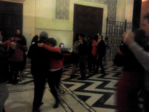 Tango solidale dalle Scarpe Rosse