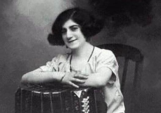 La Mujer Bandoneón